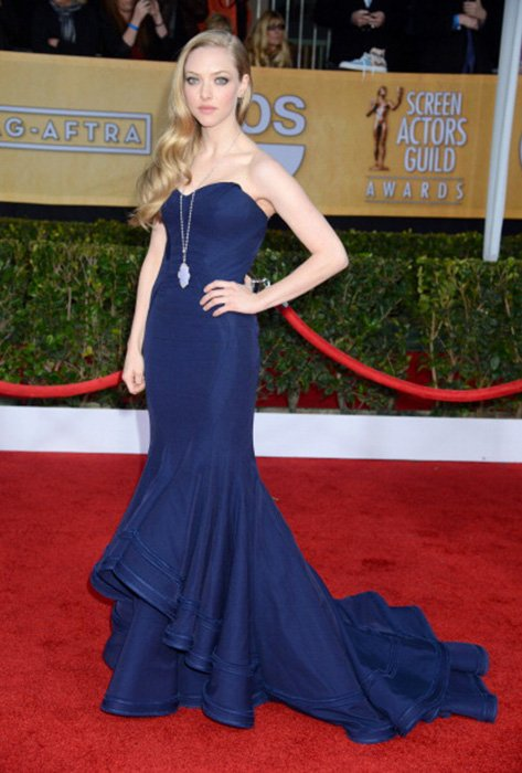 LOS ANGELES, CA - JANUARY 27:  Actress Amanda Seyfried arrives at the 19th Annual Screen Actors Guild Awards held at The Shrine Auditorium on January 27, 2013 in Los Angeles, California.  (Photo by Steve Granitz/WireImage)