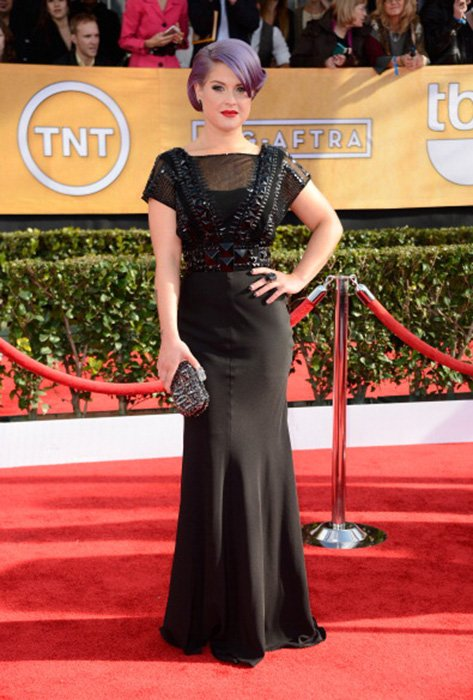 LOS ANGELES, CA - JANUARY 27:  TV personality Kelly Osbourne arrives at the 19th Annual Screen Actors Guild Awards held at The Shrine Auditorium on January 27, 2013 in Los Angeles, California.  (Photo by Frazer Harrison/Getty Images)