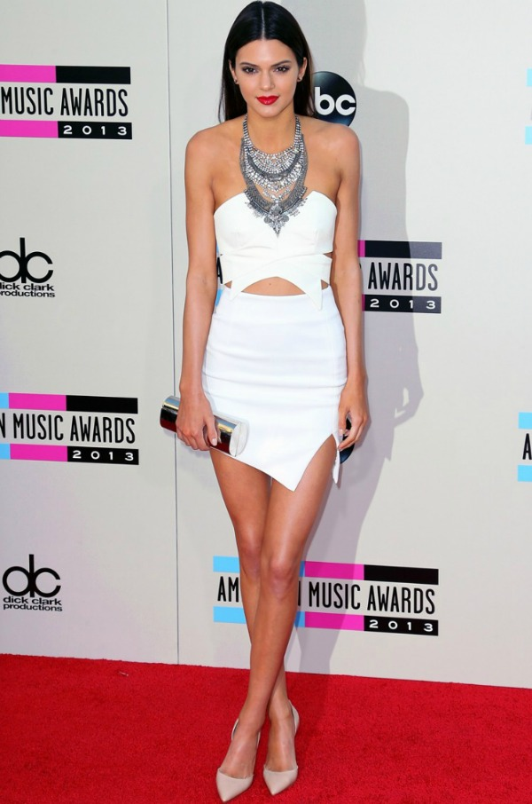 Kendall-Jenner-American-Music-Awards-2013-Red-Carpet