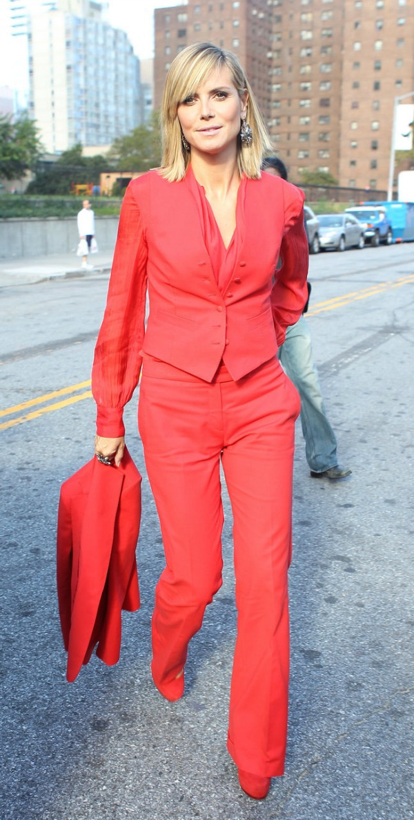 heidi_klum_three_piece_red_sui
