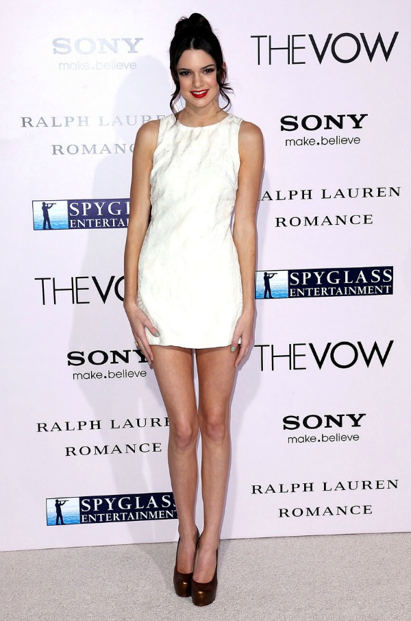 kendall_jenner_white_dress_red