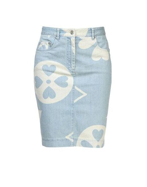 1432390403-moschino-skirt