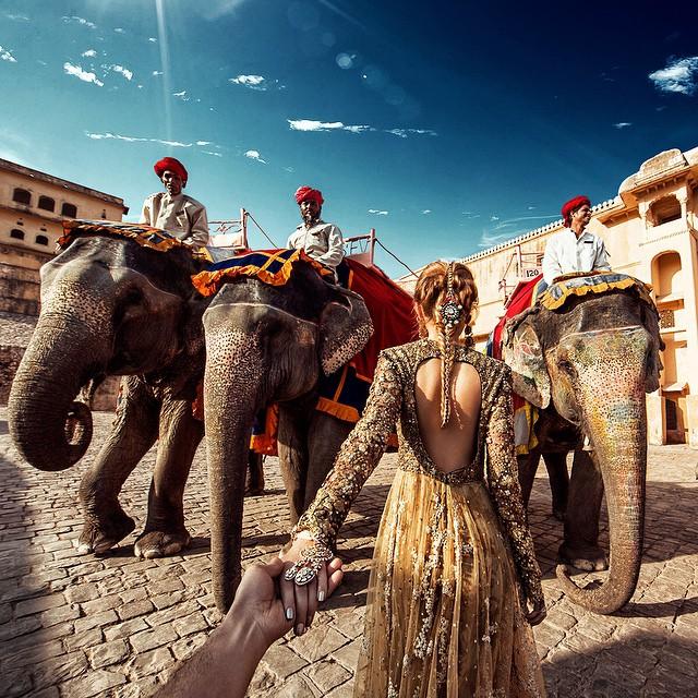 followmeto-india-selfie-murad-osmann-natalia-zakharova-8