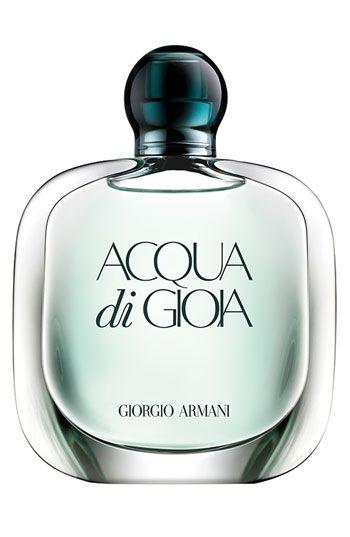 beyaz tenli kadınlar için parfüm önerileri