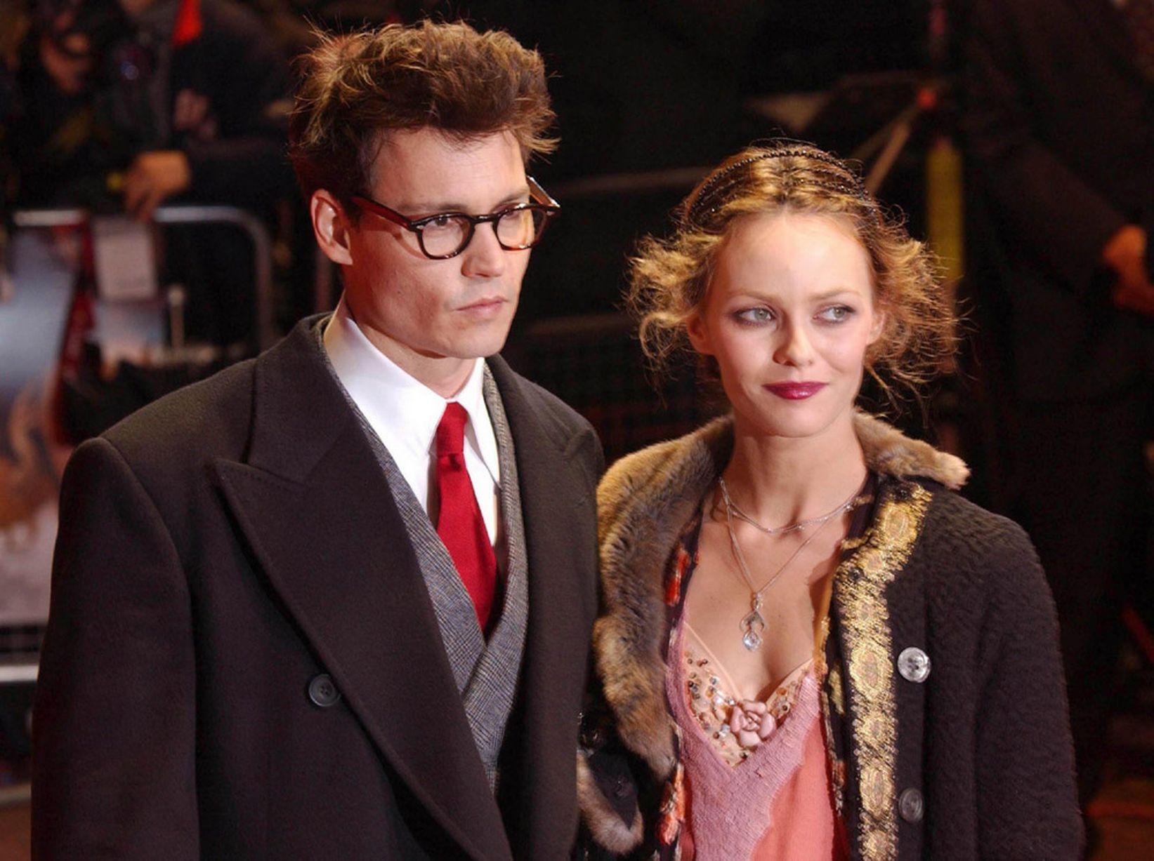 Johnny-Depp-Vanessa-Paradis-2004