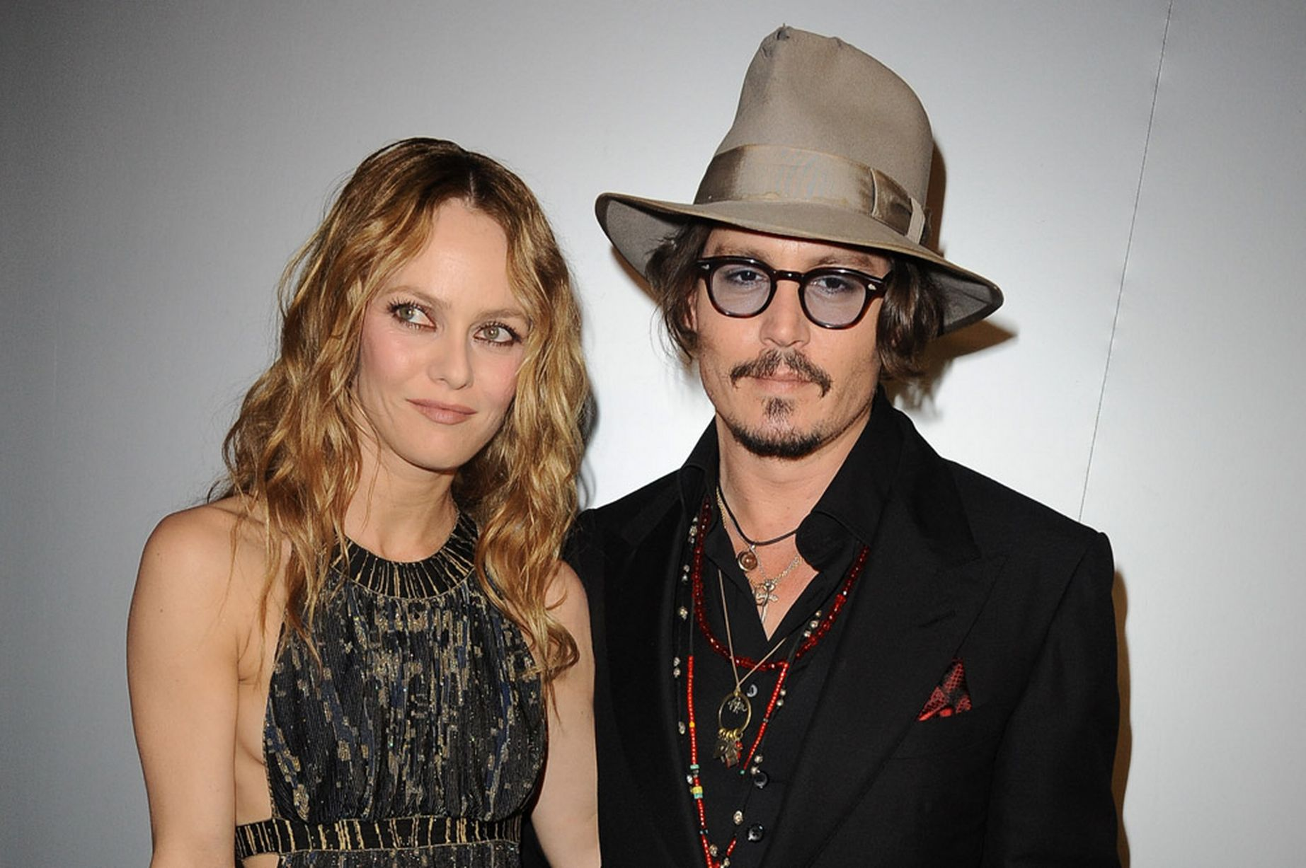 Johnny-Depp-and-wife-Vanessa-Paradis-2010