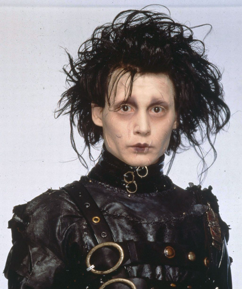 Johnny-Depp-in-the-1990-film-Edward-Scissorhands
