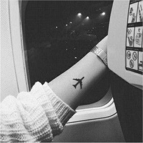 1439476901-1436383778-airplane-littletats
