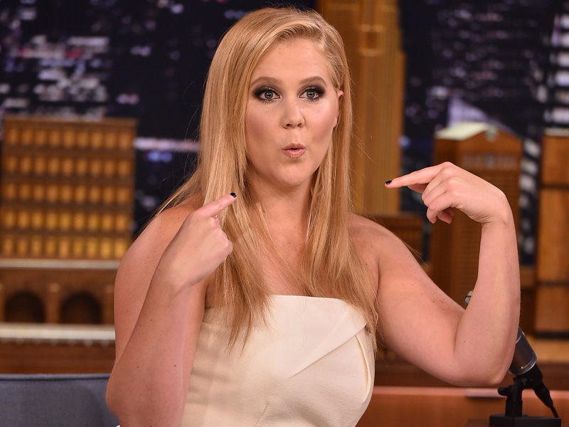 why-amy-schumer-still-lives-in-a-tiny-one-bedroom-walk-up-apartment-in-new-york-city