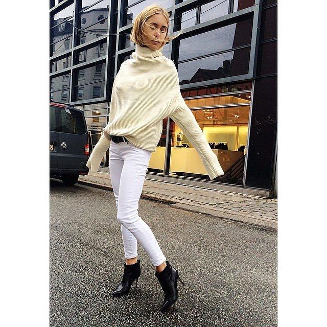 Contrast-Ribbed-Turtleneck-Crisp-White-Jeans