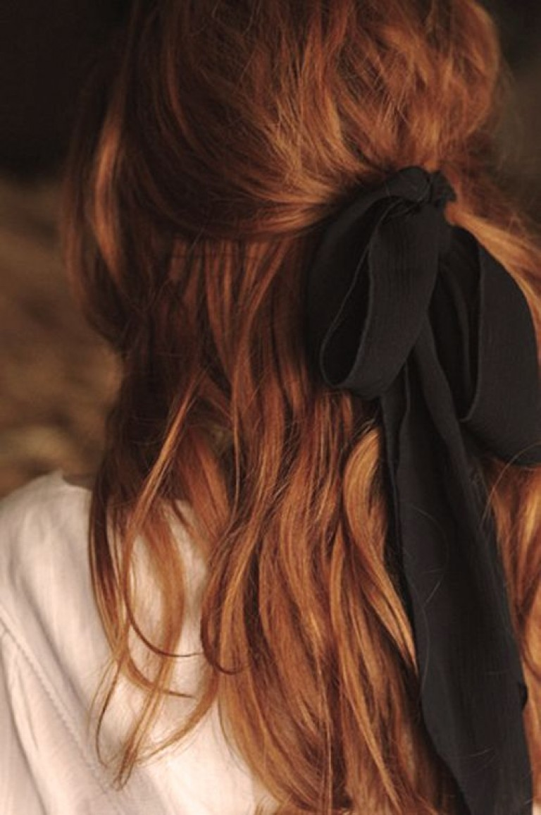 Фото девушек без лица на аву русые волосы фото
