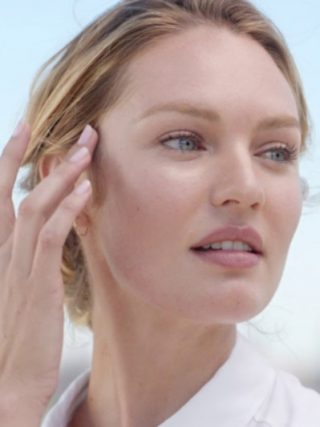 Candice Swanepoel'den cildi nemlendiren maske tarifi 87